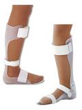 プラスチック短下肢装具(画像左:シューホン型 画像右:タマラック型)